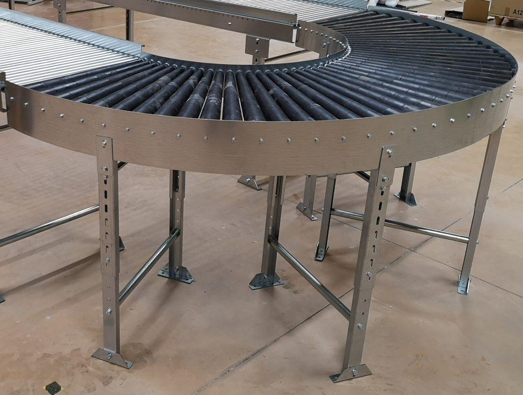 Courbe gravitaire à 180° à rouleaux coniques PVC