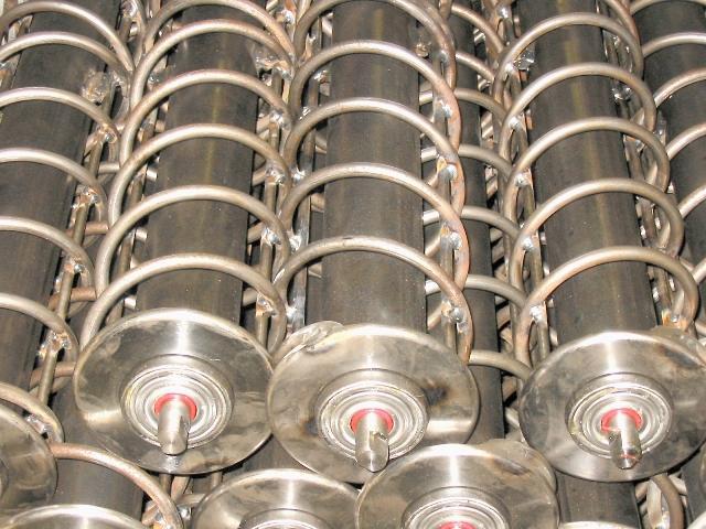 rouleau de manutention en acier avec spires en acier et roulements normalisés étanches